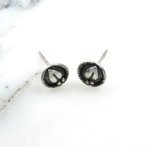 Tiny Sprig Dot Studs