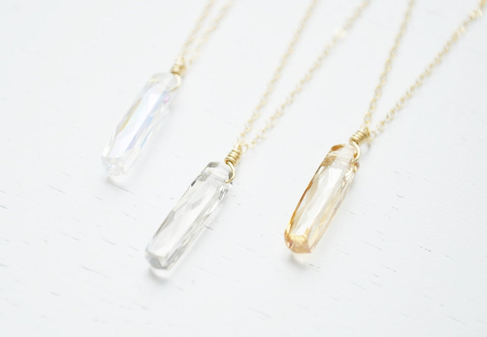 Small Column Crystal Necklace