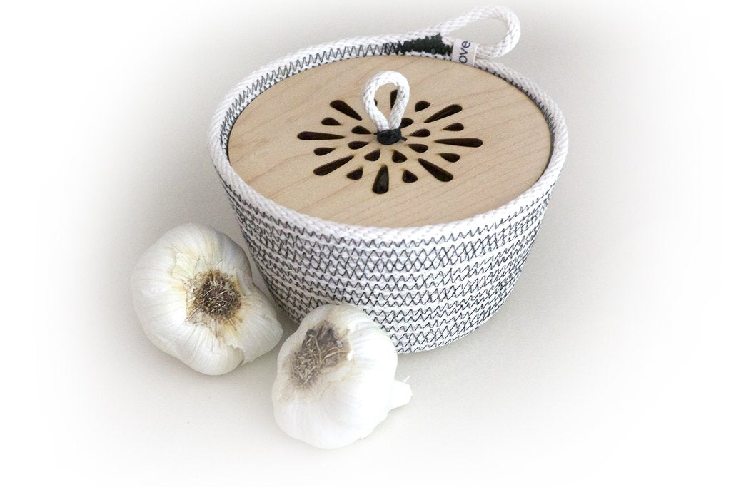 WOVEN GREY GARLIC BASKET