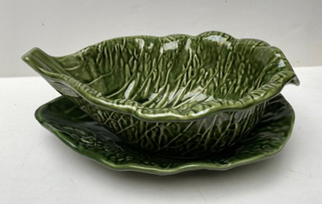 MAJOLICA OVAL SAUCE BOAT WITH LINER