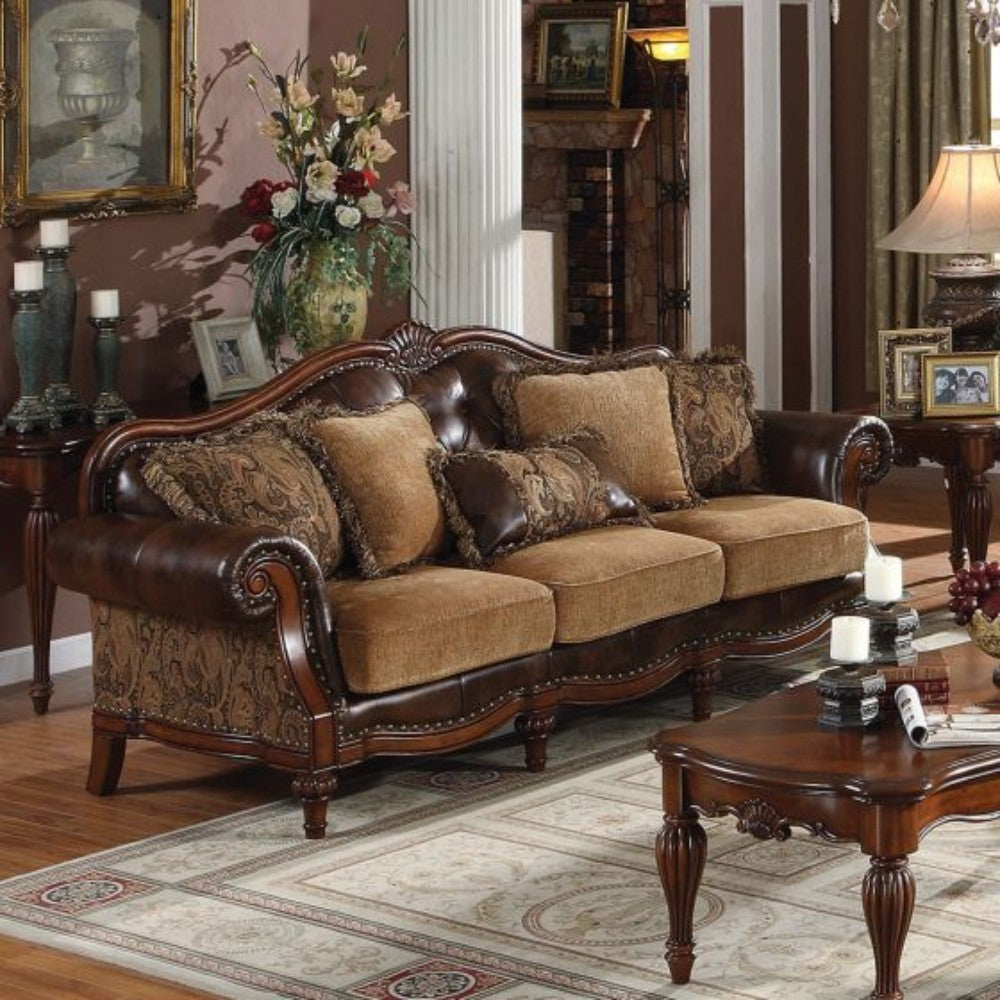 Stunning Luxury Sofa with 5 Pillows in Brown