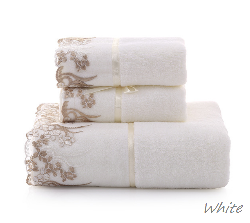 Beautiful Floral Lace Trimmed 3 piece bath towel set, 100% cotton