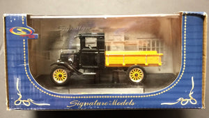 You are looking at a new in box 1923 Ford Model TT made by Signature Models in 2003. Item is new in box and has never been opened. Box is in great condition with just some rough edges from is lifetime.