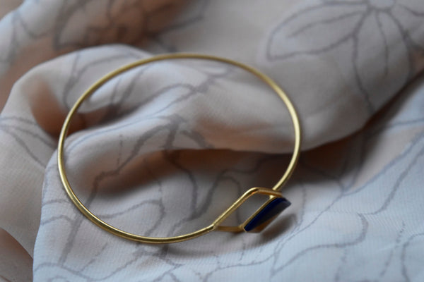 Cali Bracelet in 20 kt Gold and Sodalite