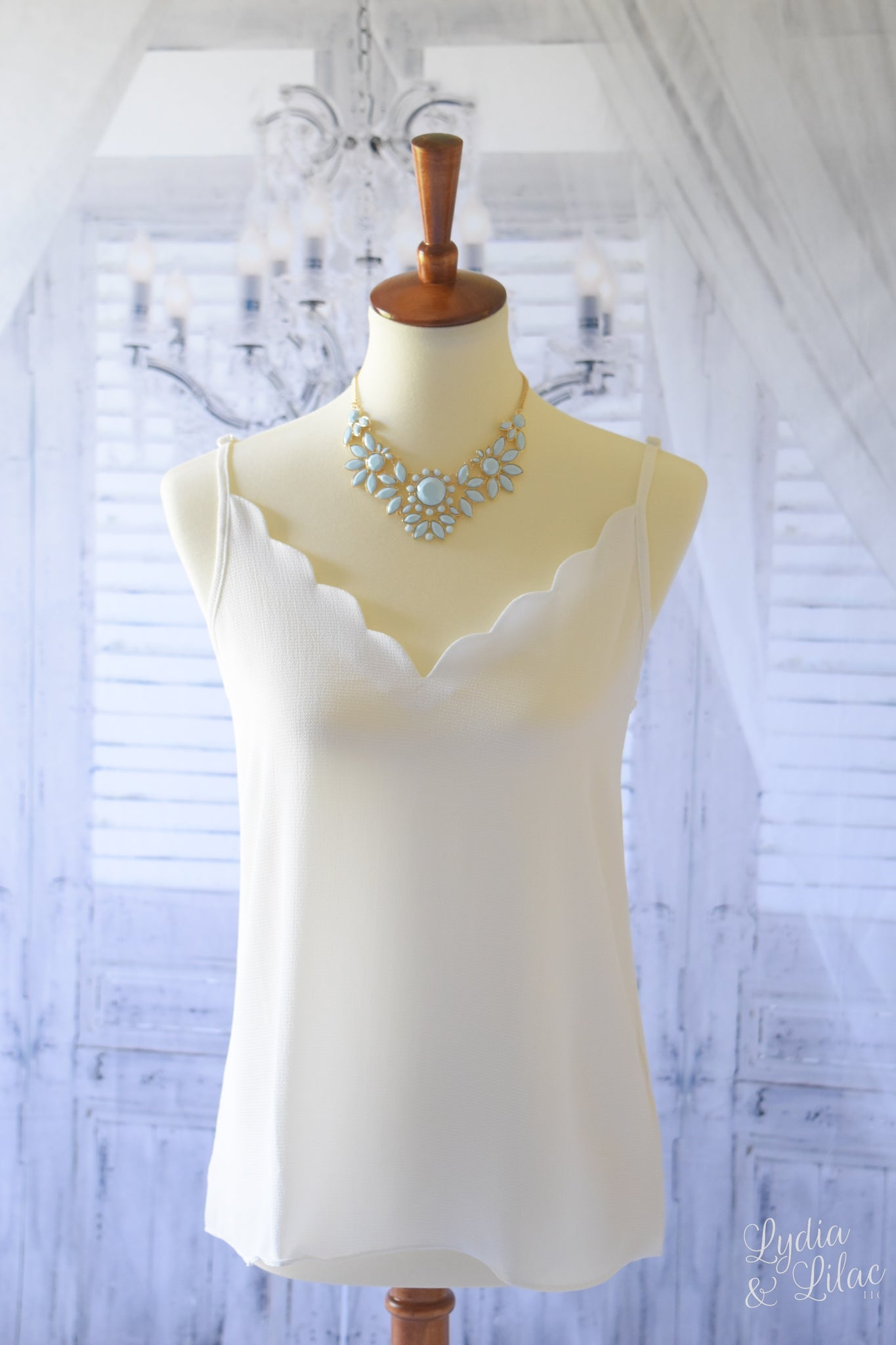 Evelyn Scallop V-neck Cami in White