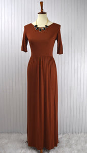Tessa Maxi Dress in Hazlenut