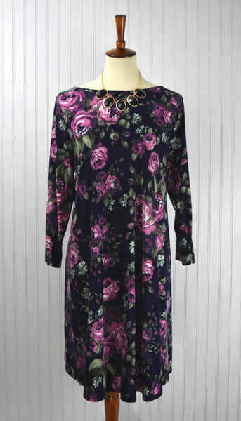 Emilia Curvy Floral Dress in Navy