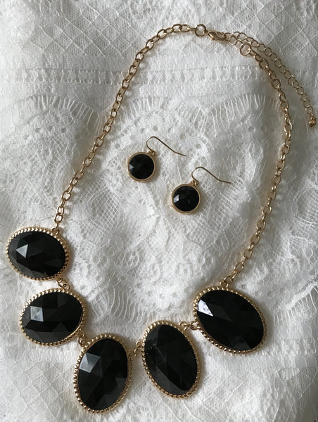 Stella Statement Necklace and Earring Set in Black