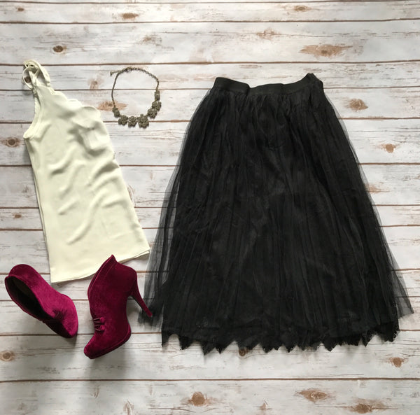 Lyla Lace and Tulle Skirt in Black