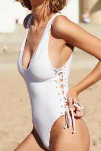 THE KYLIE 'KINI WHITE