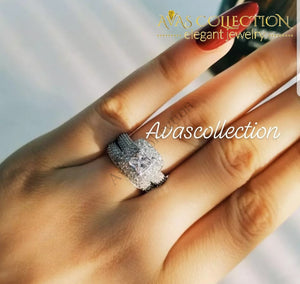 Gorgeous Halo Engagement Ring Set - Avas Collection