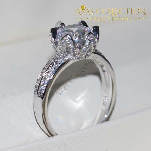 Luxurious Flower Round Cut 3Ct Engagement Ring/ Anniversary Ring Rings