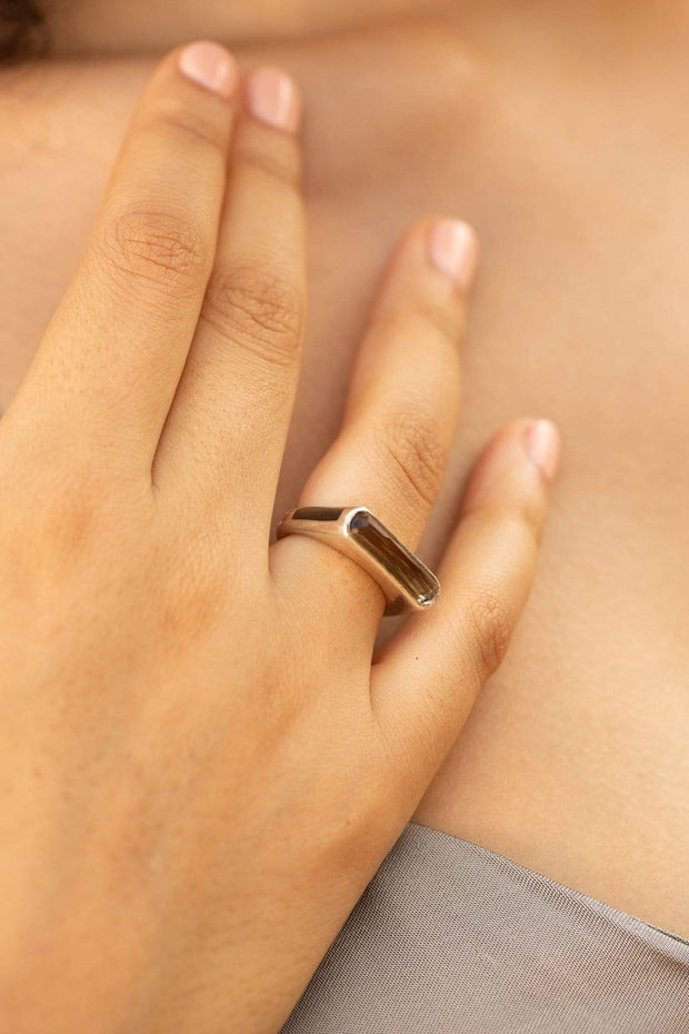 Adore Adorn Ring Excellence Side Band Ring with Smokey Quartz + Black Mother of Pearl in Rhodium