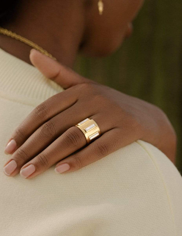 Adore Adorn Ring Gigi Banded Ring with Baguette Mother of Pearl in 14K Gold