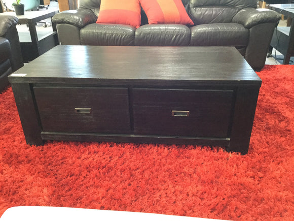 Low lying coffee table with 2drawers