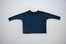 the long-sleeve basic pocket tee