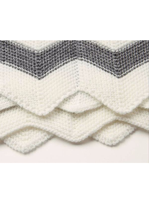 Rhombus Plaids Warp Knitted Acrylic Blanket
