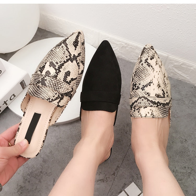 Summer Flats Mules Lady Sandals Slippers Serpentine Slip On Pointed Toe Women Mules Outdoor Slipper Shoes Woman Slides
