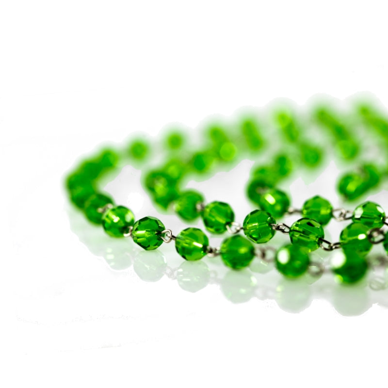 green chains of crystal strands
