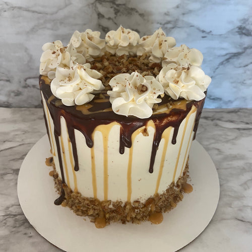 Turtle Cheesecake Cake