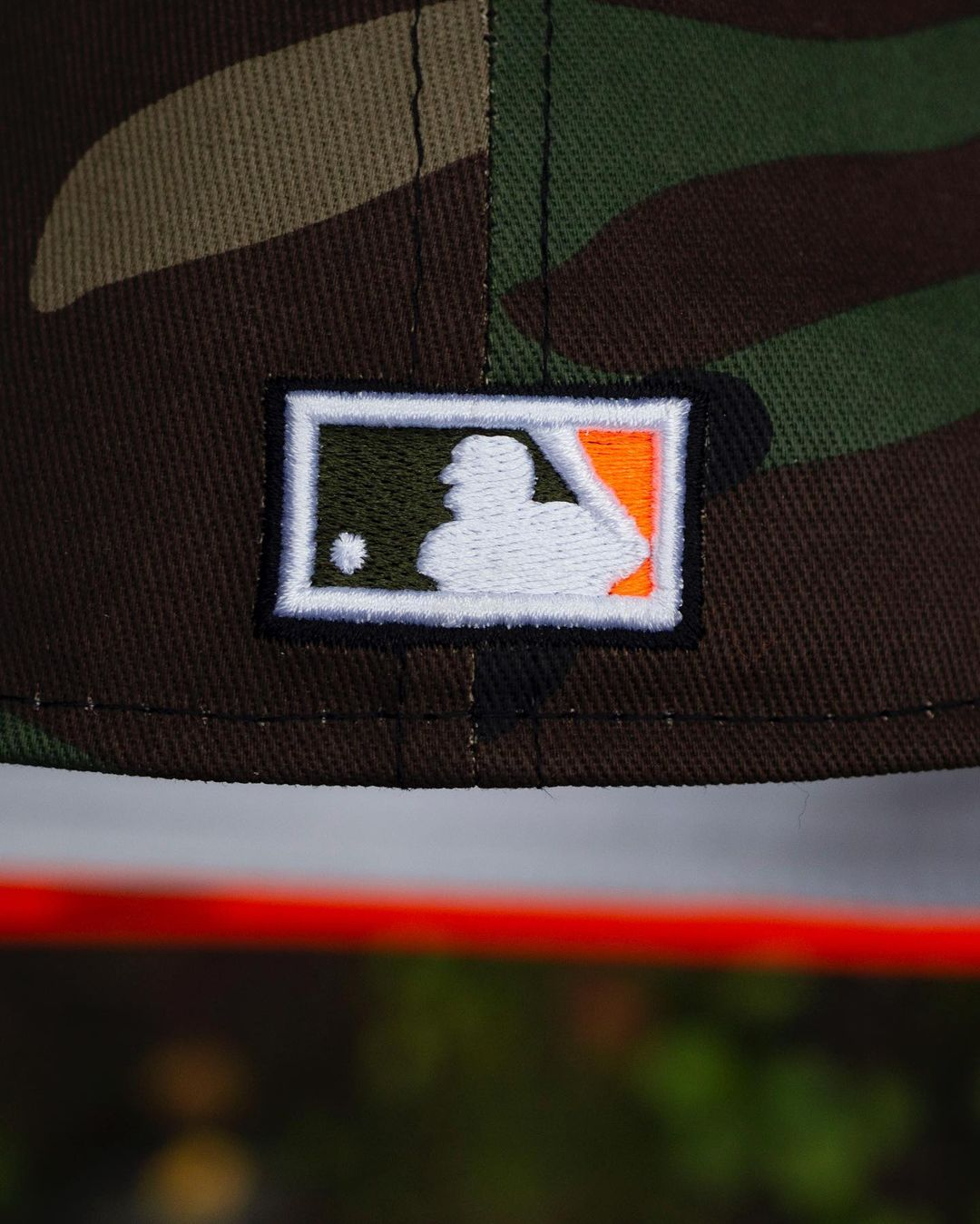 MLB Woodland Camo Fitted Hat Hunter Flame Undervisor