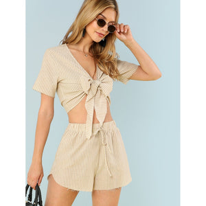 Striped Print Knot Front Crop Top & Raw Hem Shorts Set