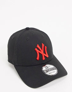 New Era NY 9Forty Baseball Adjustable Cap (Black/Red)