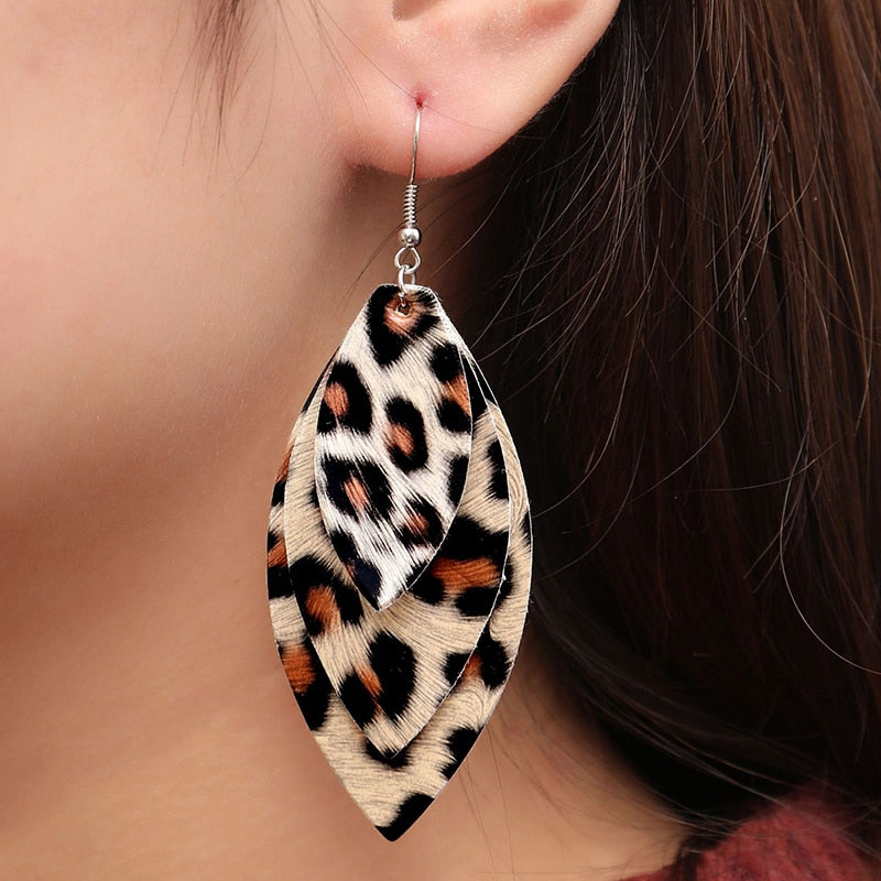 Retro Leopard Dangle Earrings