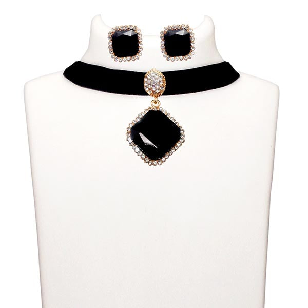 Jeweljunk Black Stone Gold Plated Choker Necklace Set