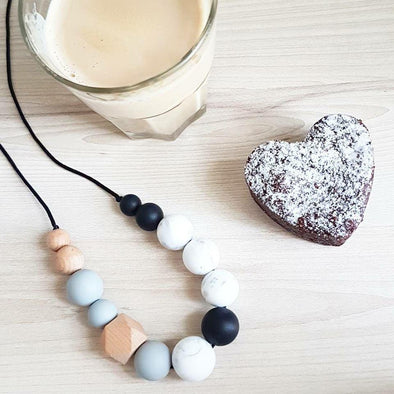 Indi Necklace Black Marble