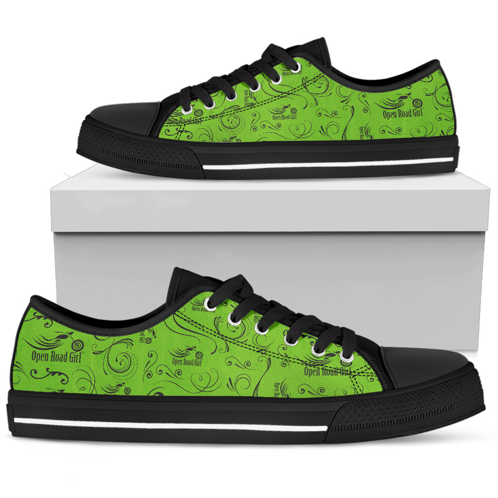 GREEN Full Color Scatter Design Open Road Girl Women's Low Top Shoe