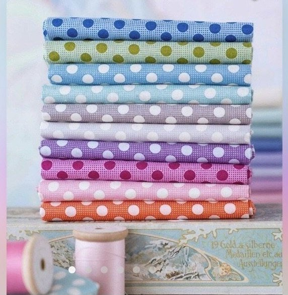 Tilda Medium Dots Collection FQ Bundle