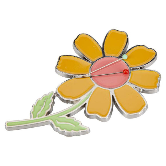 Prim Flower Enamel Needle Minder by Lori Holt of Bee in my Bonnet