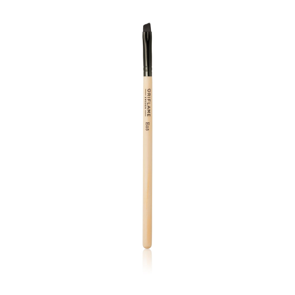 Precision Angled Eyebrow Brush | ORIFLAME SWEDEN