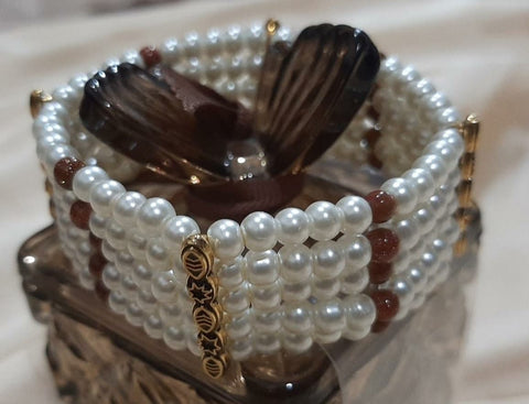 5 LAYERS PEARLS AND BEADS STRETCHABLE BRACELET