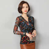 Art lines Printed V neck Long Sleeve Top