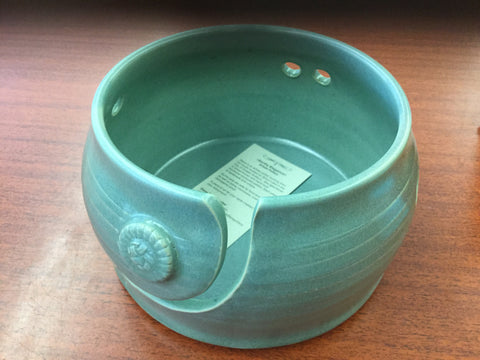 Yarn bowl by Diane Béland
