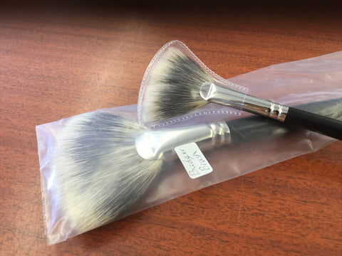 Rosemary & Co. ser. 37 fan brush