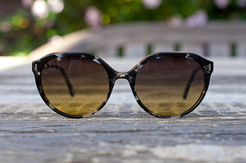 Topanga in Peppercorn - polarized