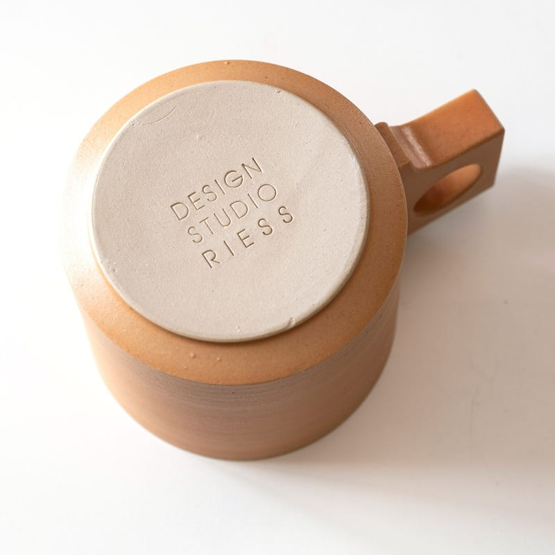 Design Studio Andreas Riess Matt Salmon CUP