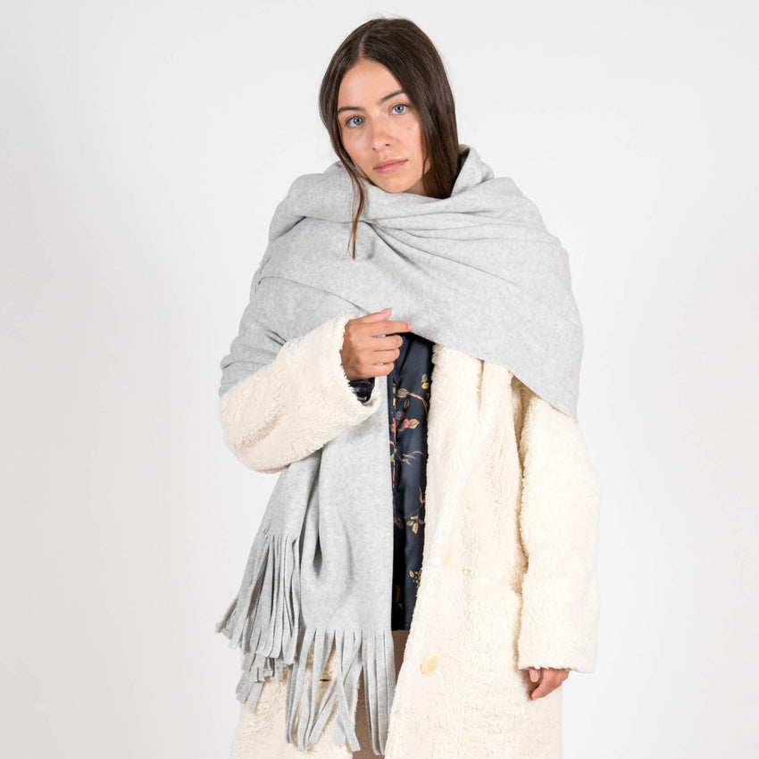 Jan 'n june Fleece Scarf Manon light grey outfit