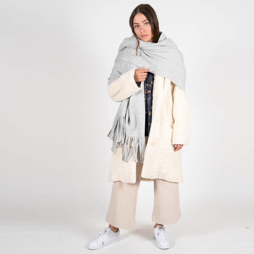 Jan 'n june Fleece Scarf Manon light grey full outfit
