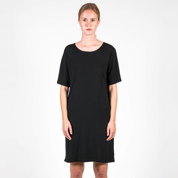 Jan 'n June T-Shirt Dress Iris Flow Black