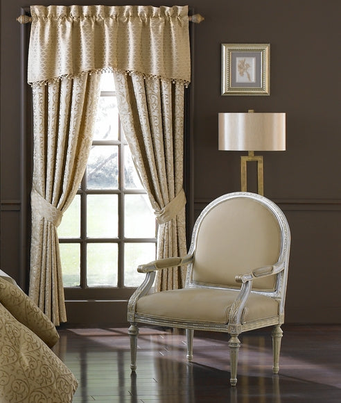 Anya Pale Gold by Waterford Valance