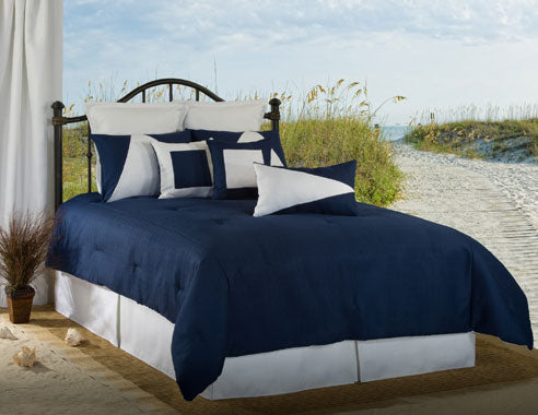 Latitude 11 Navy/White Comforter Set