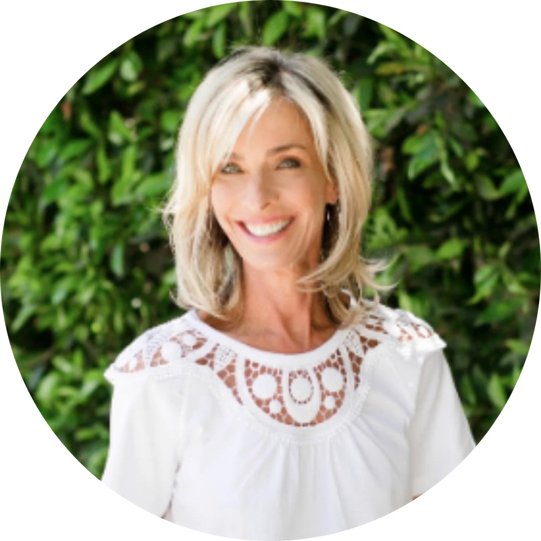 ELISSA GOODMAN <br> CERTIFIED HOLISTIC NUTRITIONIST