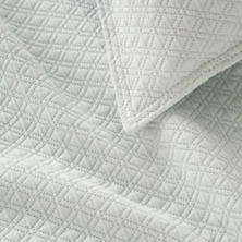 Diamond Ice Q Coverlet