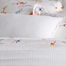Kelly White Twin Coverlet