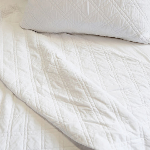 Brussels White Queen  Coverlet