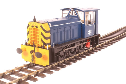 Class 05 shunter in BR blue with wasp stripes (late version)